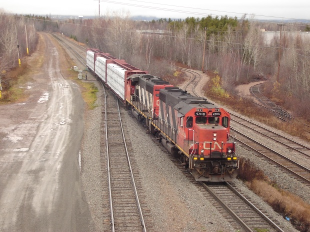 cn-9675-4608-from-miramichi-arriving-in-moncton-20161120-2